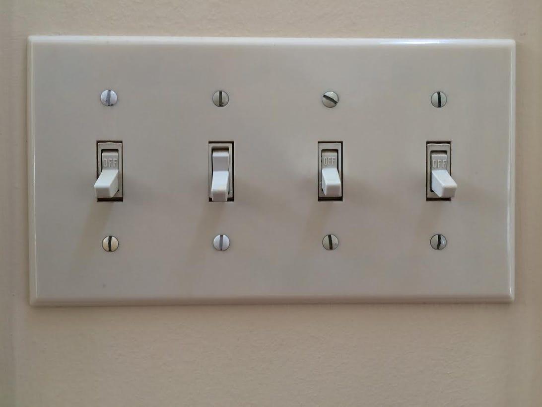 cnet-smart-home-lighting-four-gang-switch.jpg