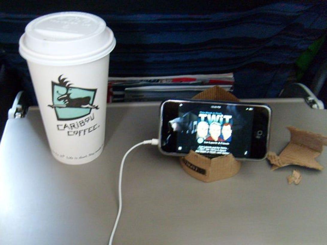 Coffee-sleeve_stand.jpg