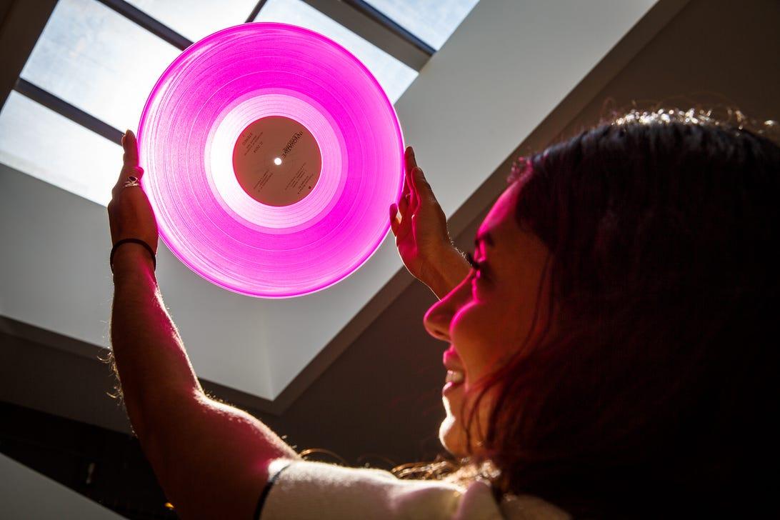 xio-vinyl-1012-001.jpg
