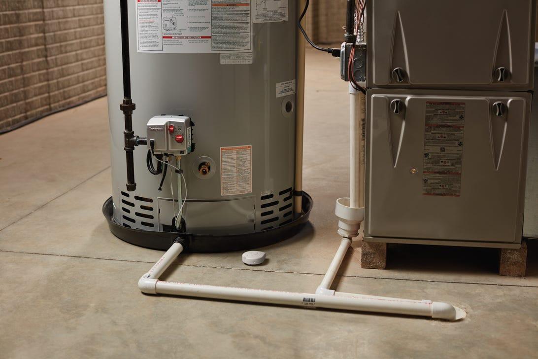 flo-by-moen-smart-water-detector.png