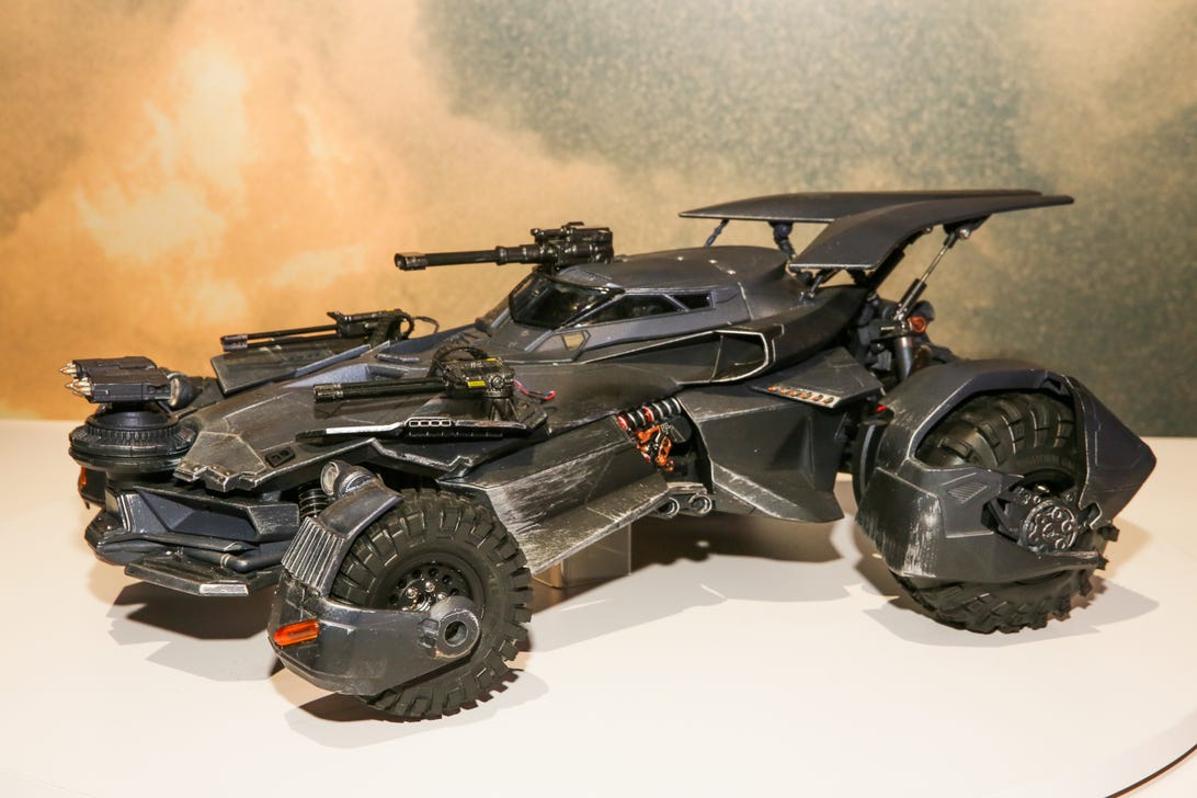 justice-league-batmobile-20.jpg