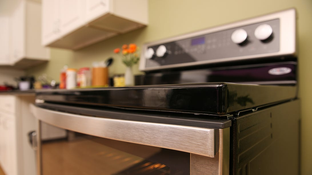 whirlpool-electric-range-wfe720h0as0-product-photos-5.jpg