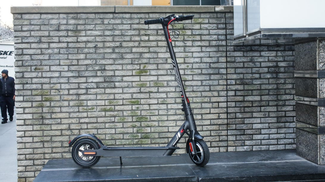 01-swagtron-swagger-5-electric-folding-scooter