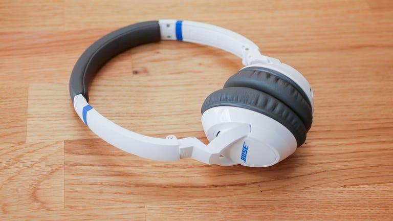 07bose-soundtrue-on-ear-headphones-product-photos.jpg