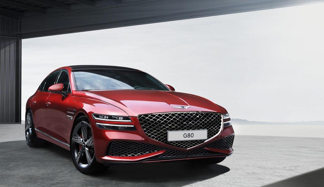 2022 Genesis G80 Sport - front 3/4 view