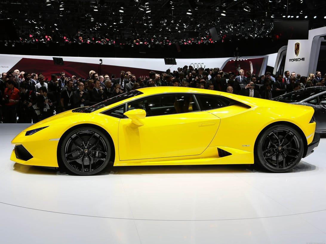 Lamborghini_Huracan_35835324-1137-001_1.jpg