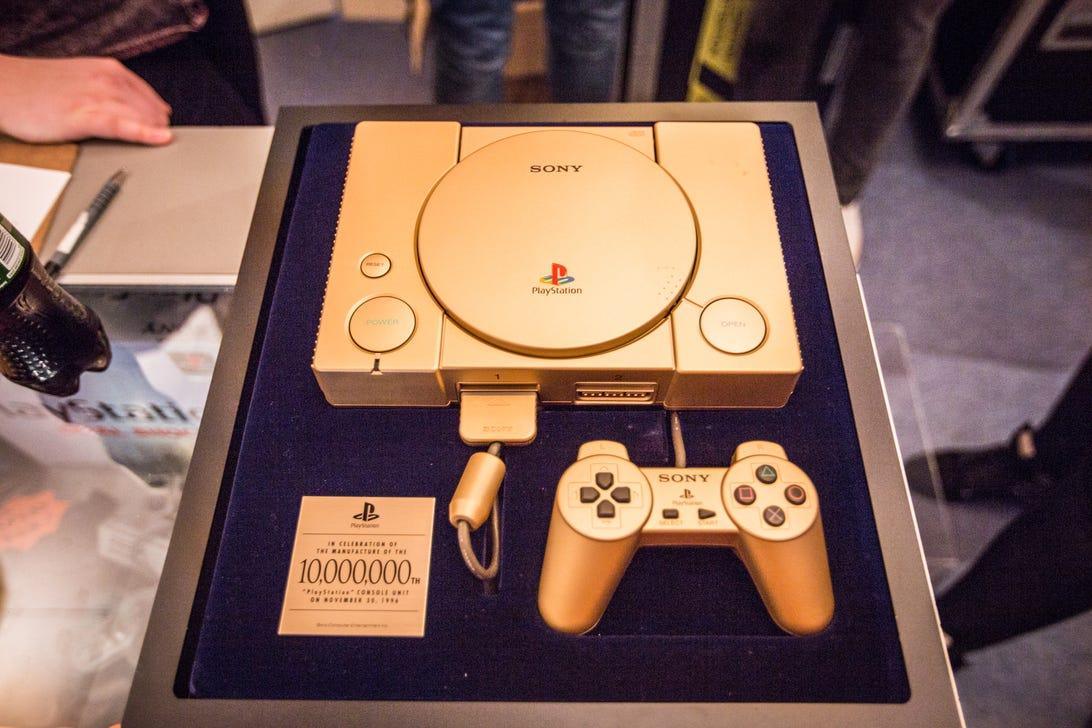 playstation-shop-bethnal-gold-special-19.jpg