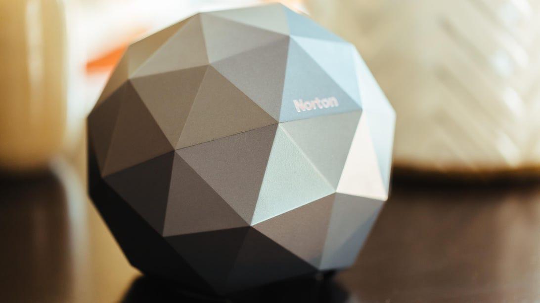 norton-core-router-product-photos-1