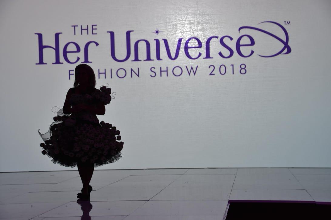 her-universe-fashion-show-comic-con-2018