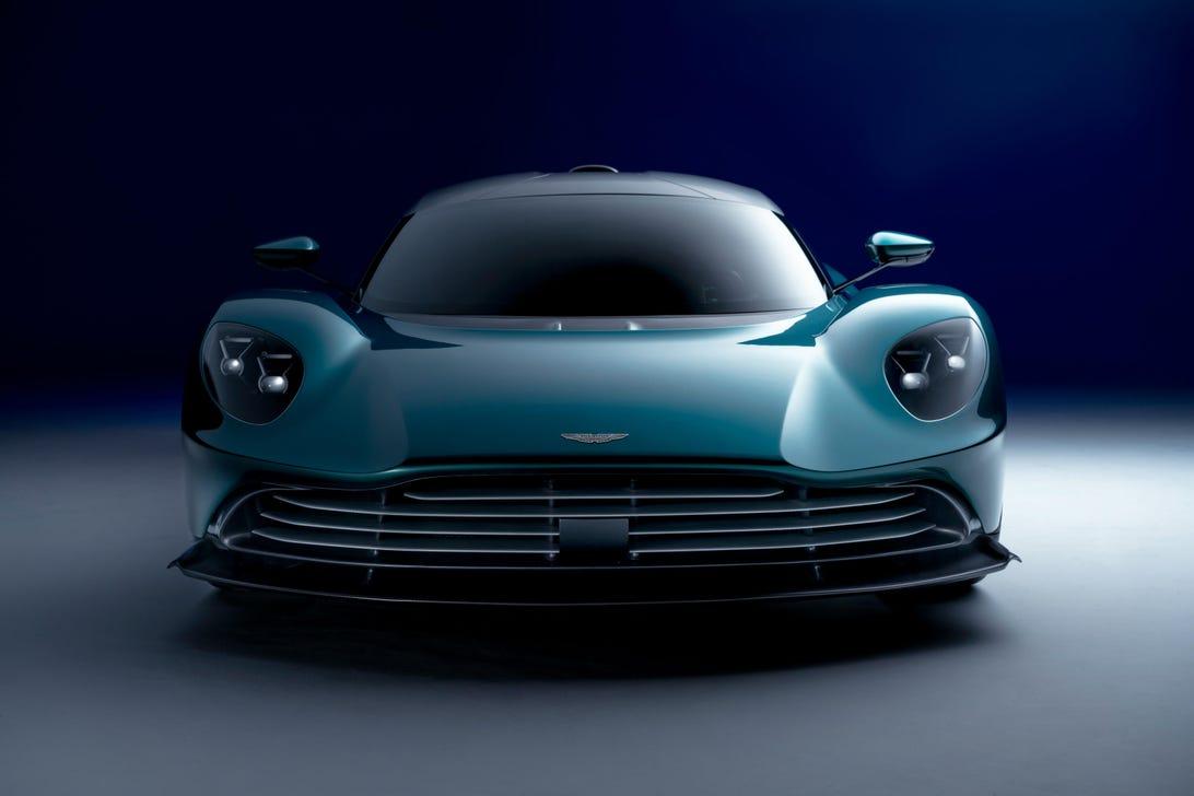 production-aston-martin-valhalla-phev-supercar-110
