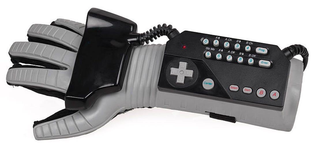 800px-nes-power-glove.jpg