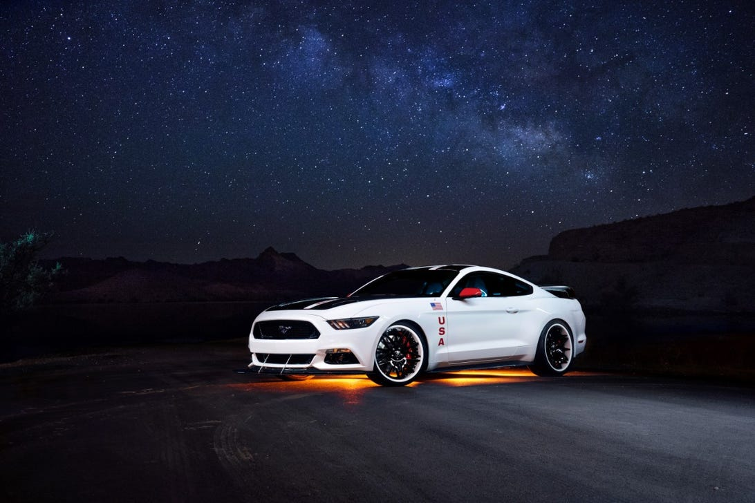 00-2015-ford-mustang-apollo-edition.jpg