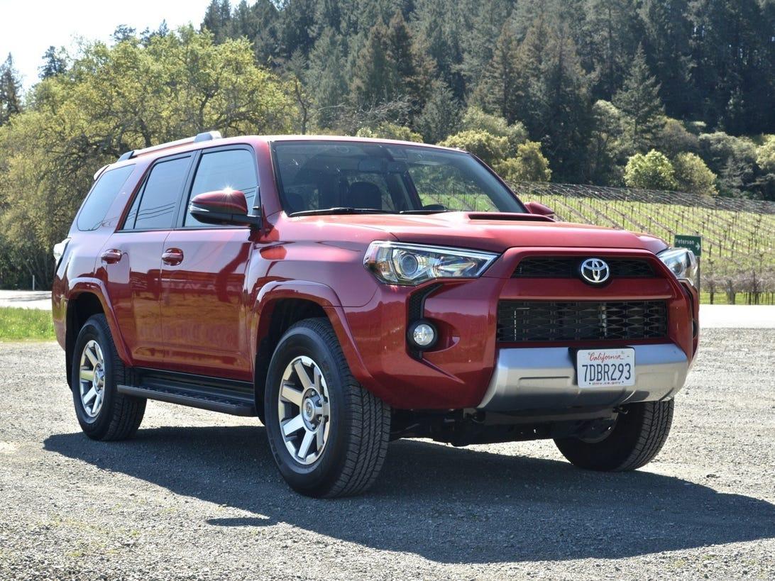 Toyota_4Runner_2014_05.jpg