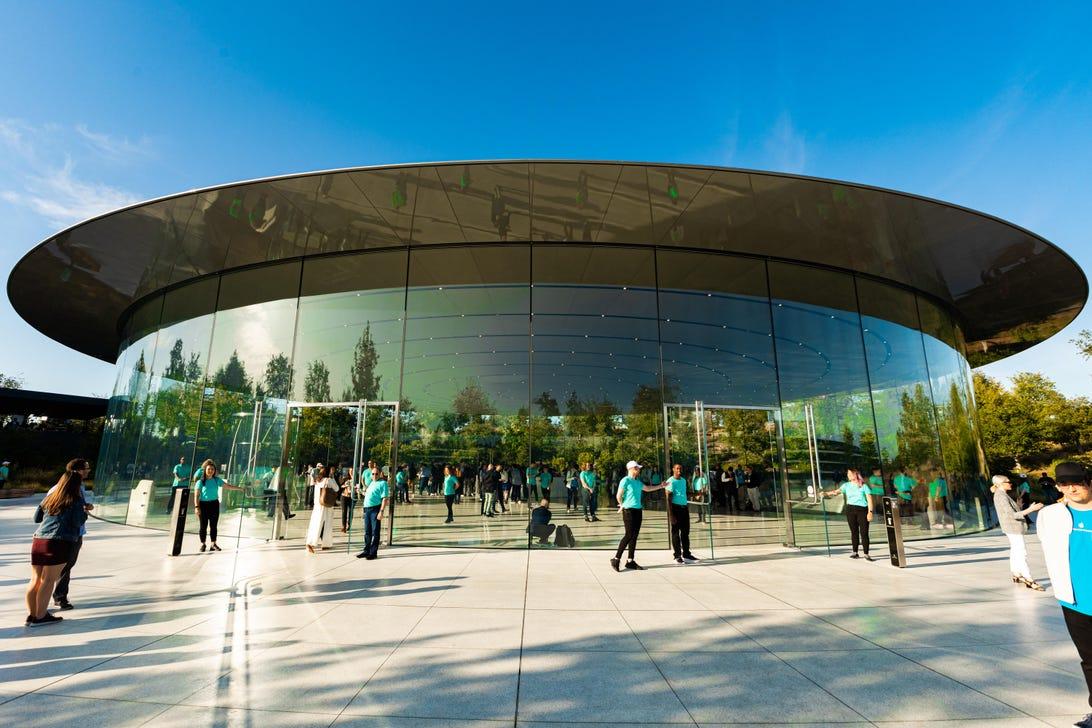 apple-event-091019-iphone-11-8600