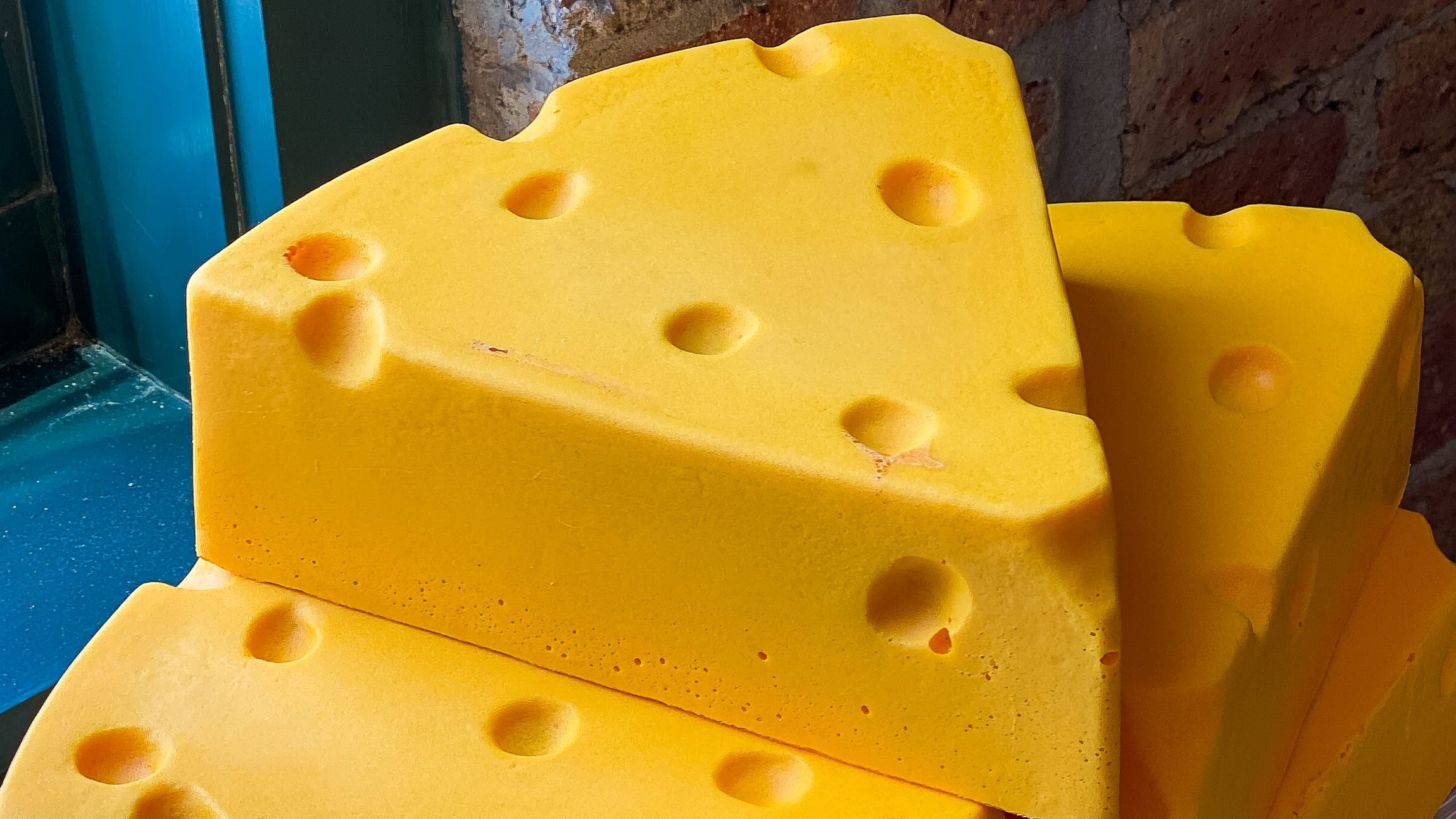 cheesehead-foamation-factory-made-in-america-2021-wisconsin-cnet-54