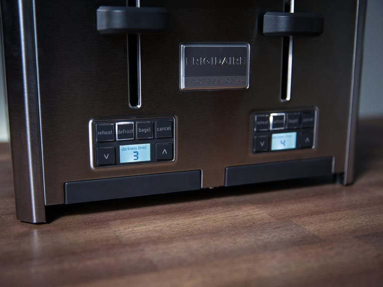 frigidaire-4-slice-toaster-product-photos-1.jpg