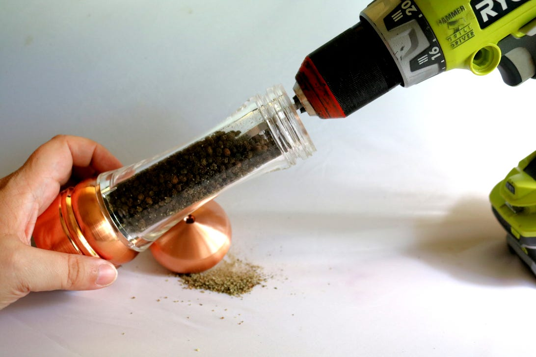 using-a-pepper-mill-with-a-drill.jpg