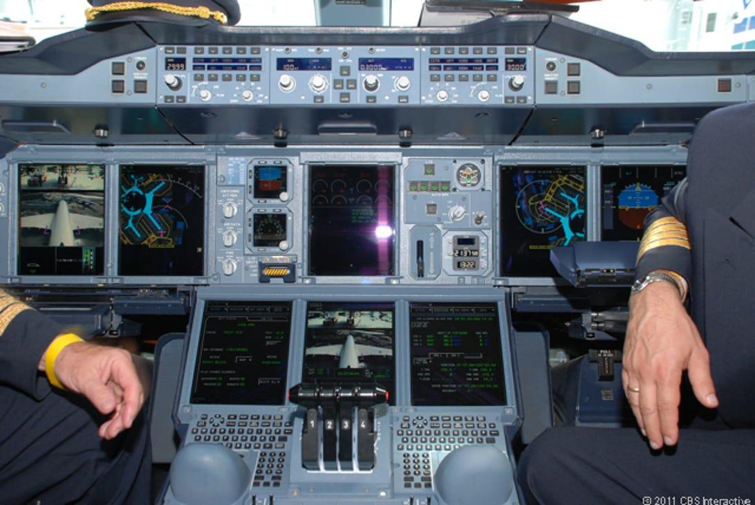 KG_-_Cockpit_controls.jpg