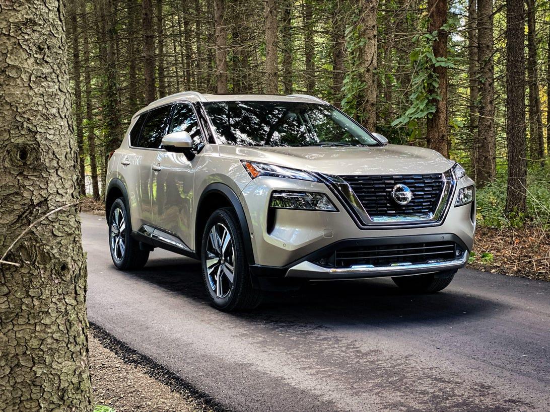 2021 Nissan Rogue Platinum - front three-quarter view