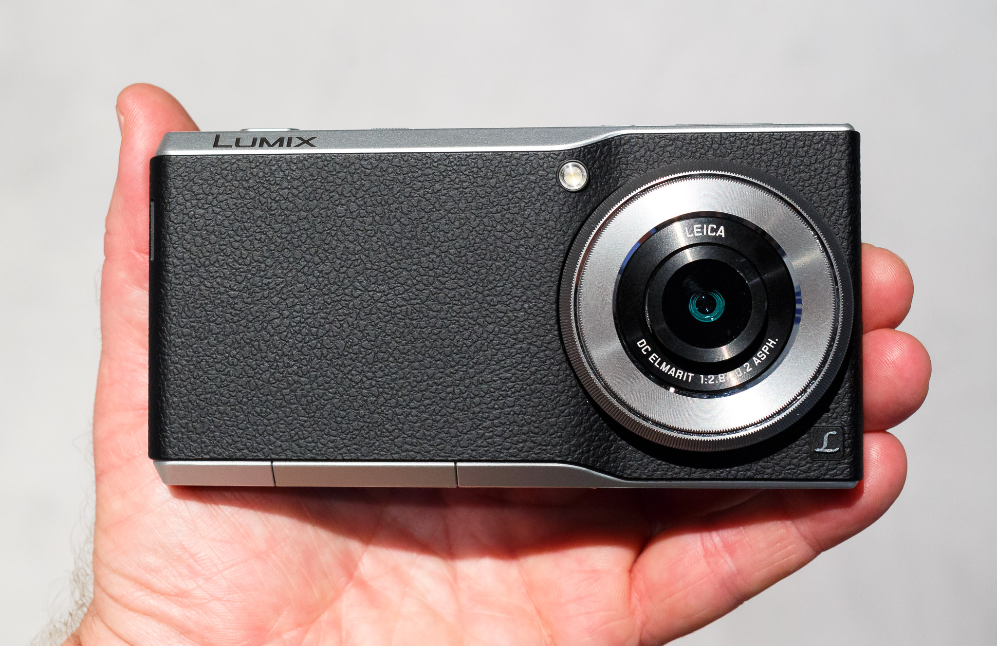 Panasonic's CM1 joins a large 1-inch, 20-megapixel sensor with a big lens and an Android phone.