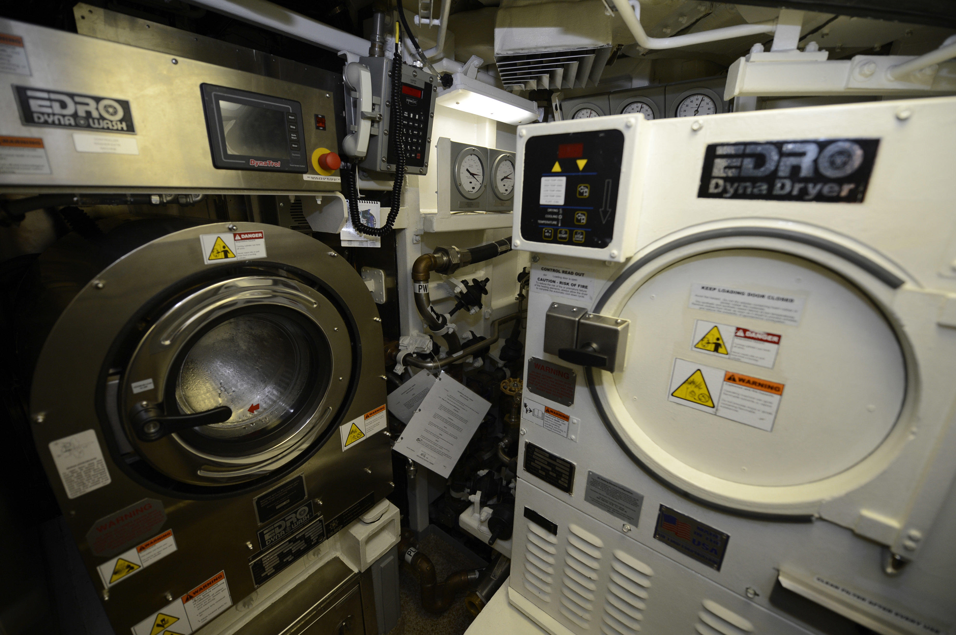 USS Washington washer and dryer