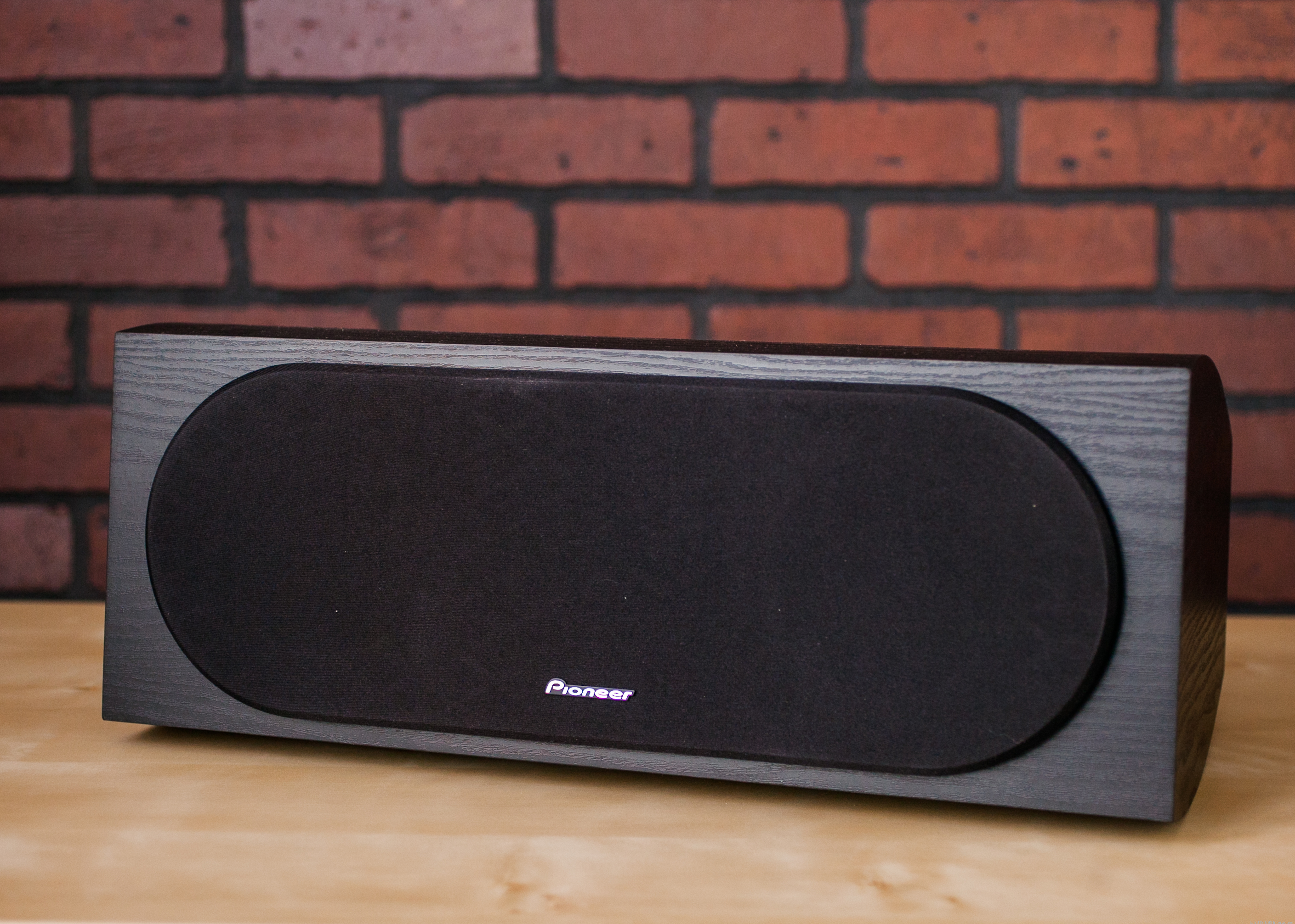 Pioneer SP-C22 center channel