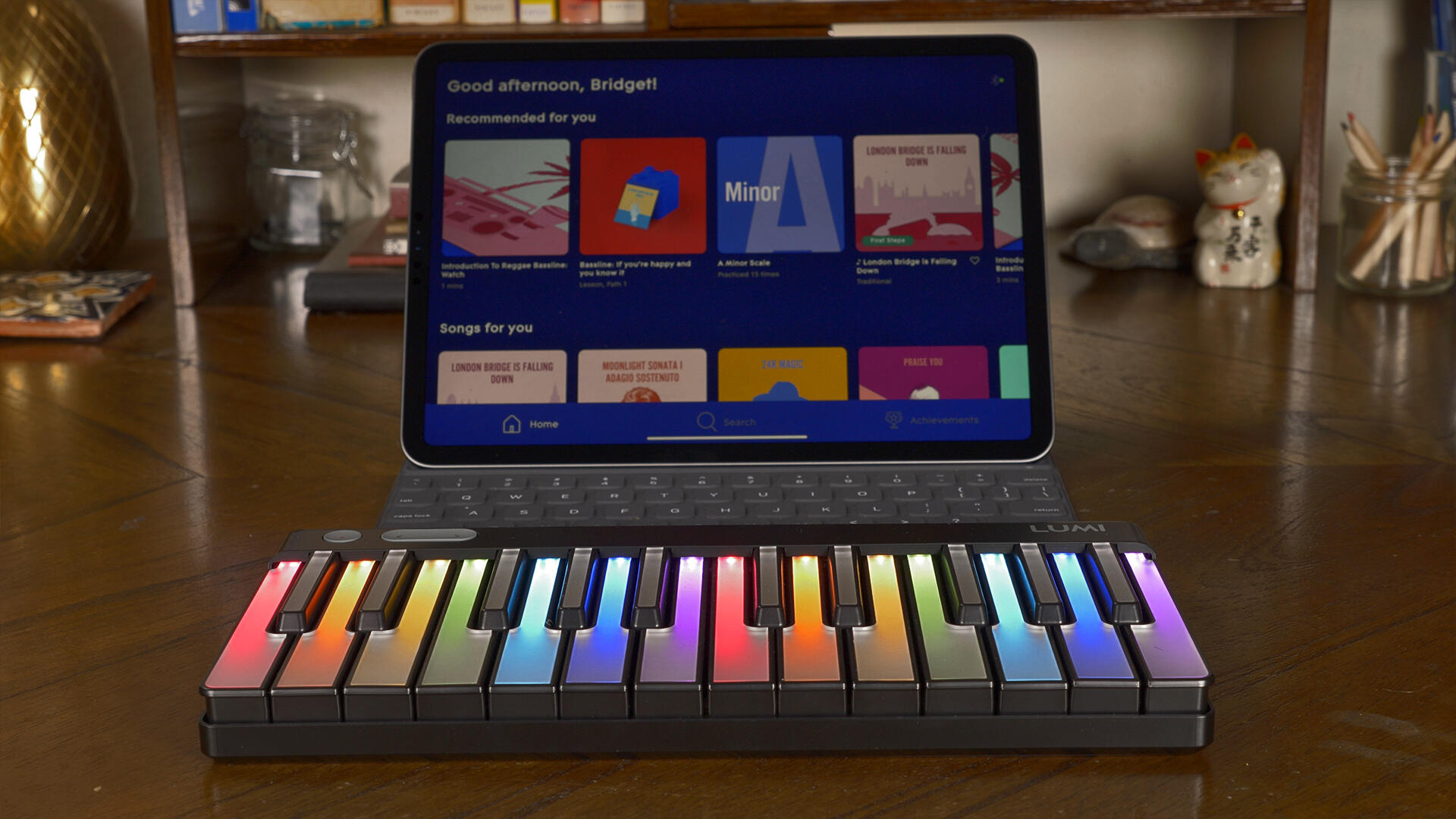 Video: This rainbow keyboard teaches you music with games