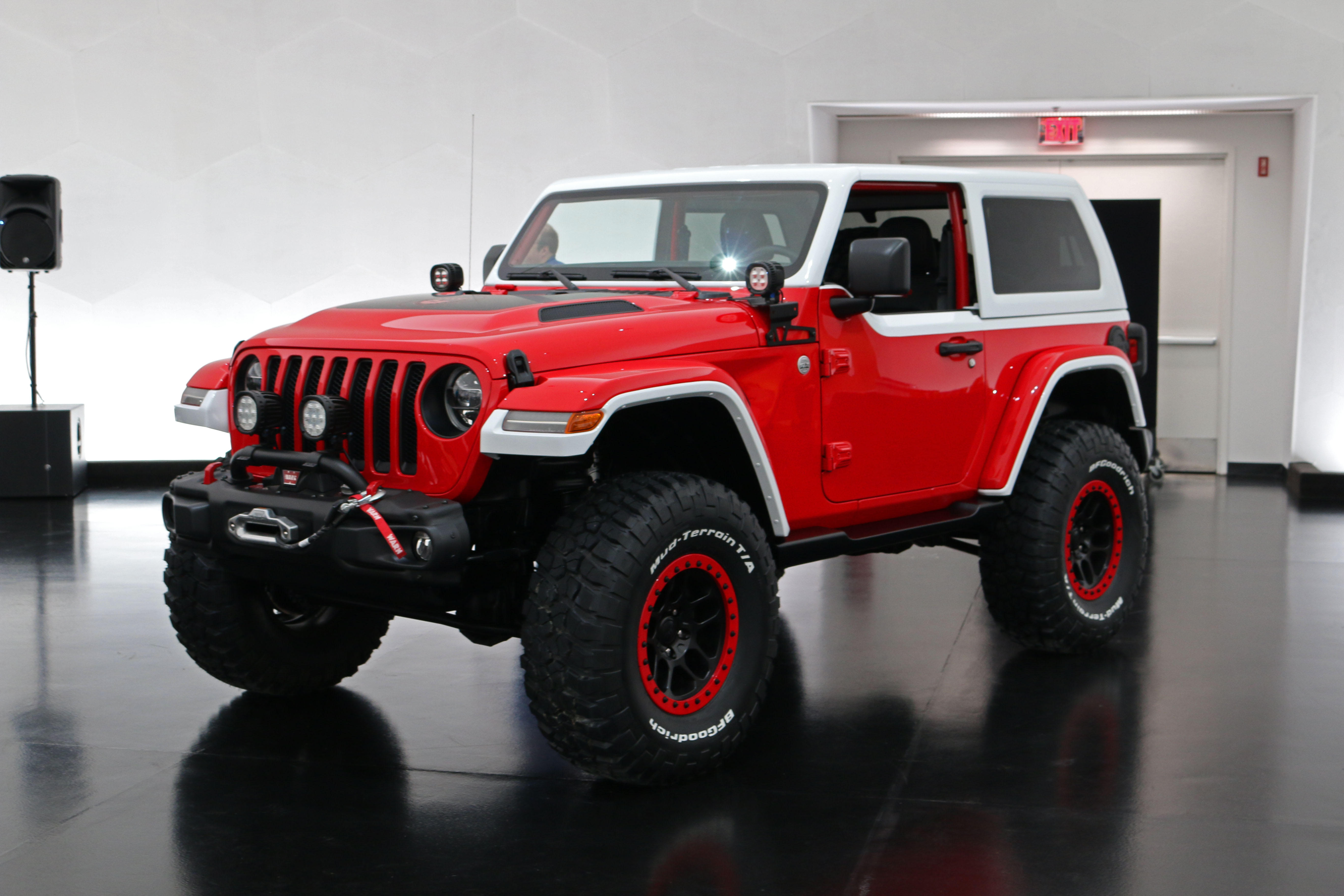 jeep-jeepster-concept-15