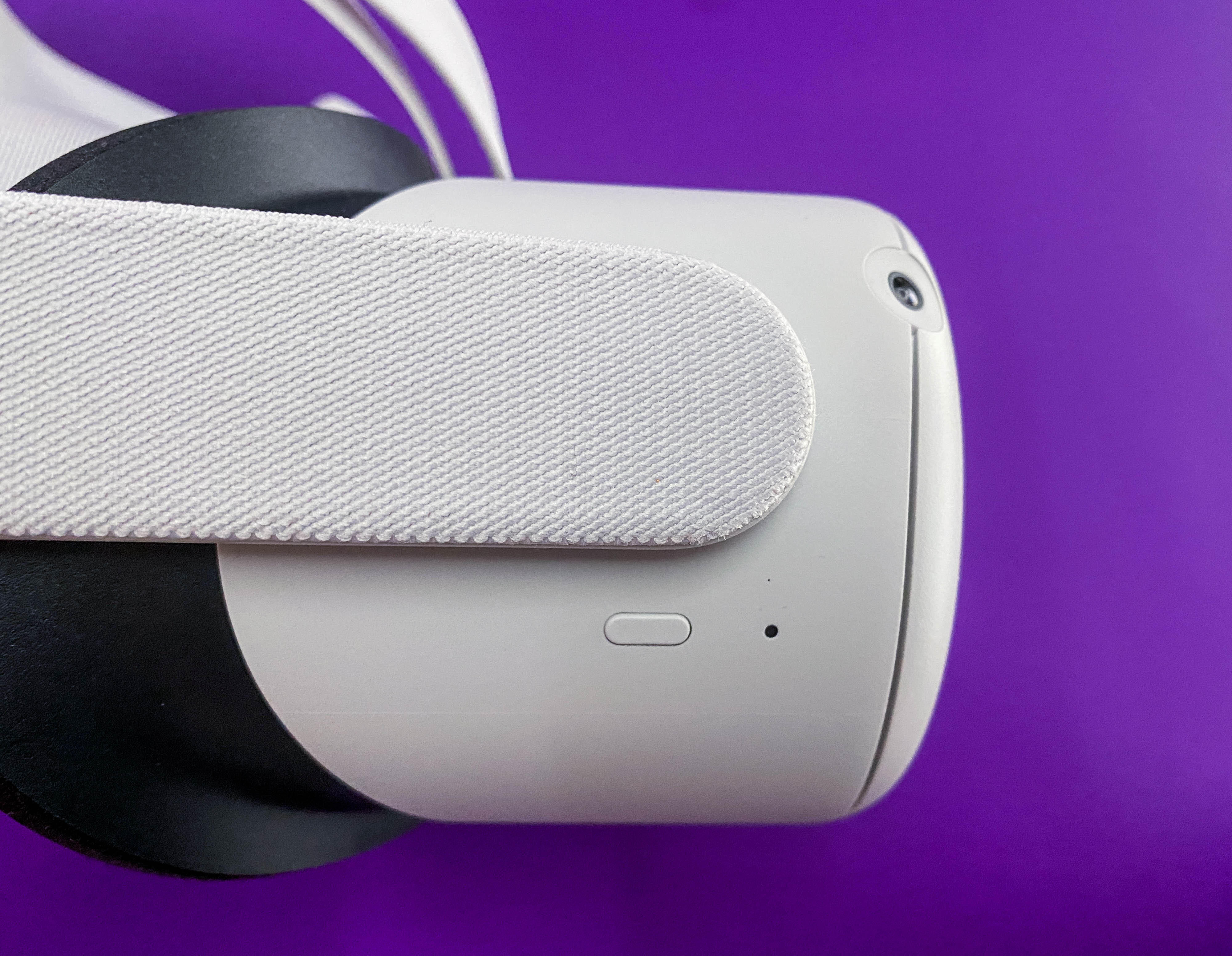 <p>The Oculus Quest 2 is getting ready to cut the cable.</p>