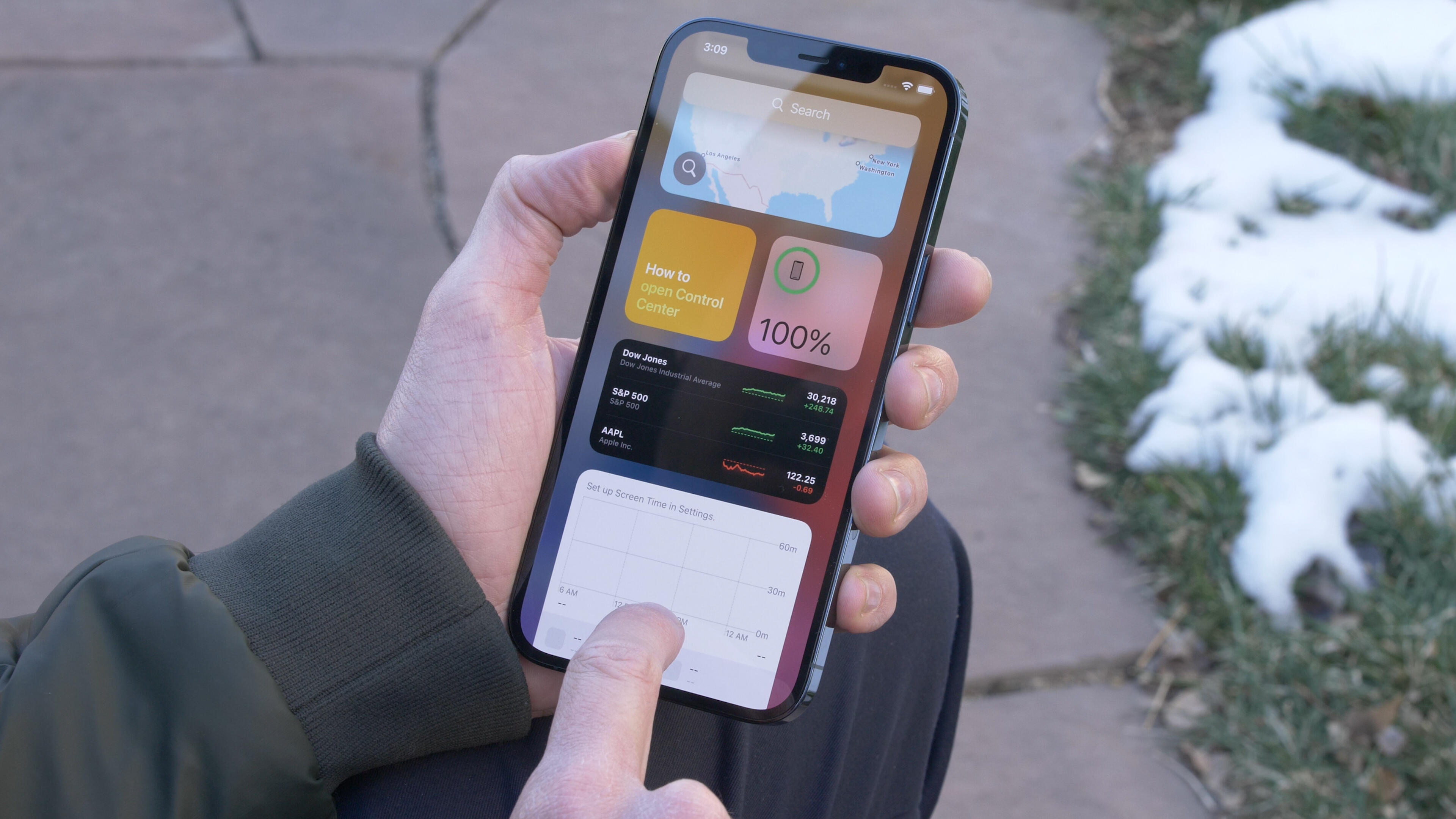 Video: iPhone 12 Pro Max: Diving in on a single charge