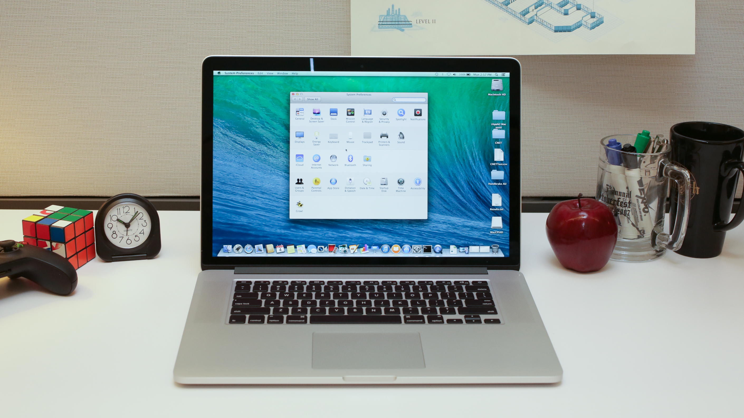 apple-macbook-pro-with-retina-display-15-inch-july-2014-product-photos10.jpg