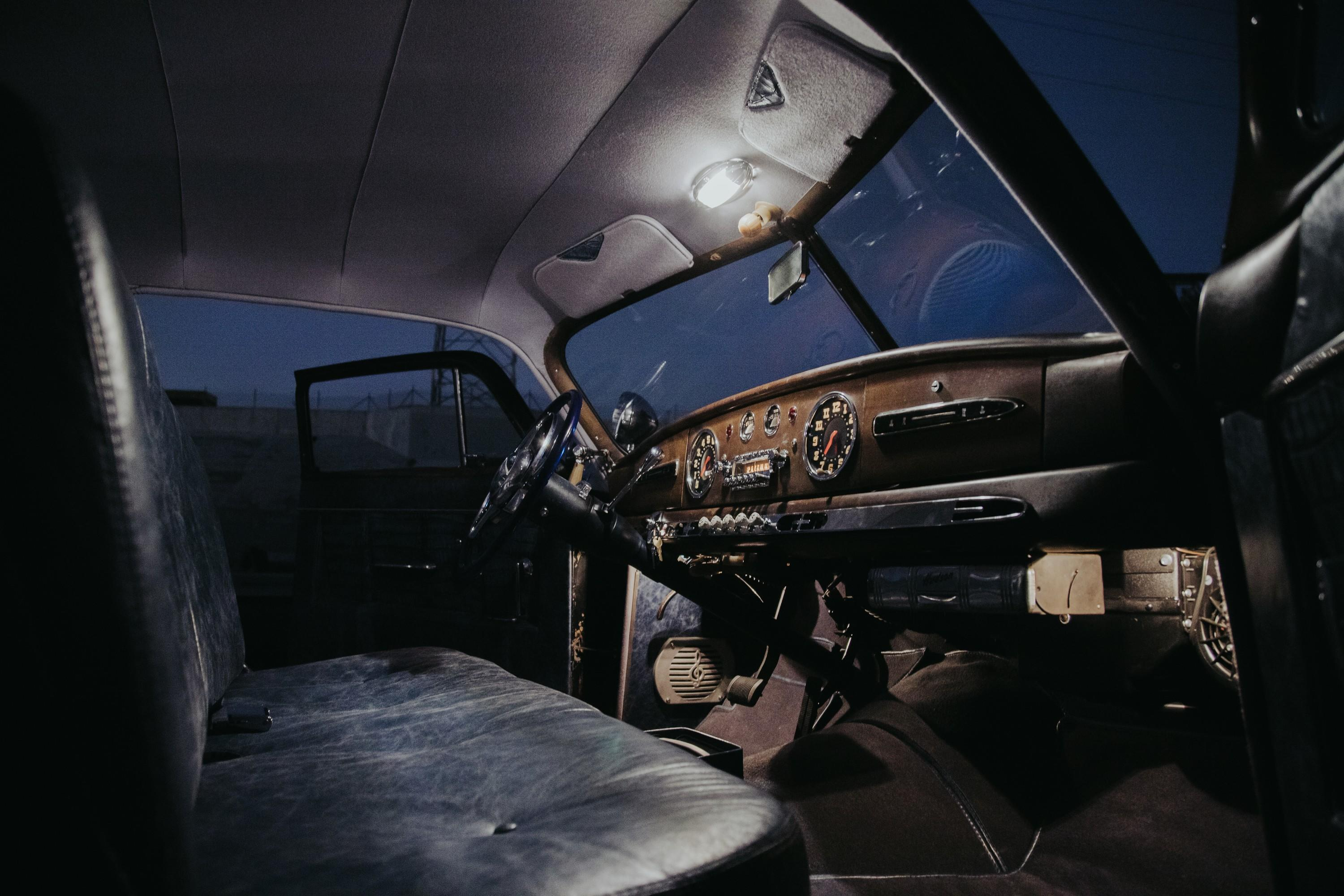 icon-hudson-derelict-cabin-front-dawn-pass-side-alt-img-0257