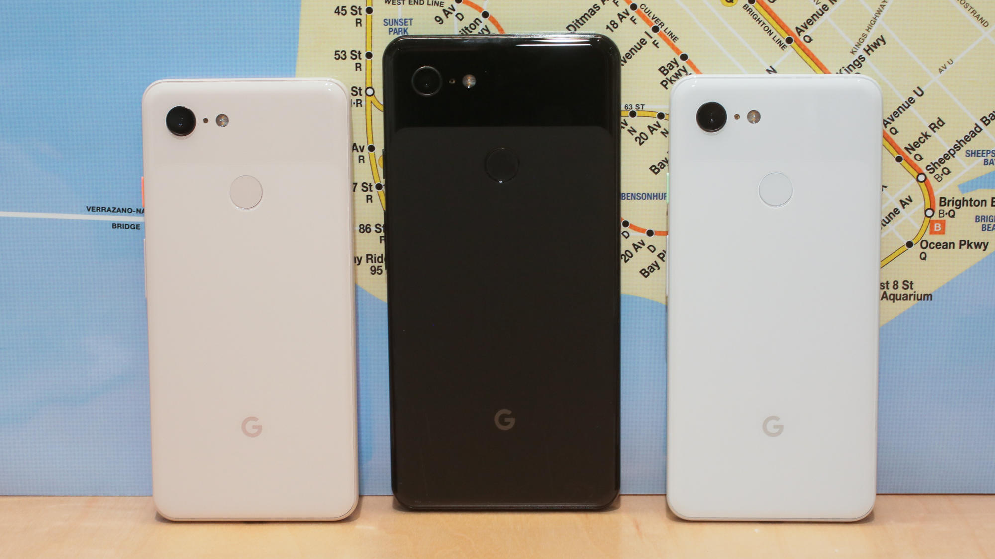 The Pixel 3 phone available colors