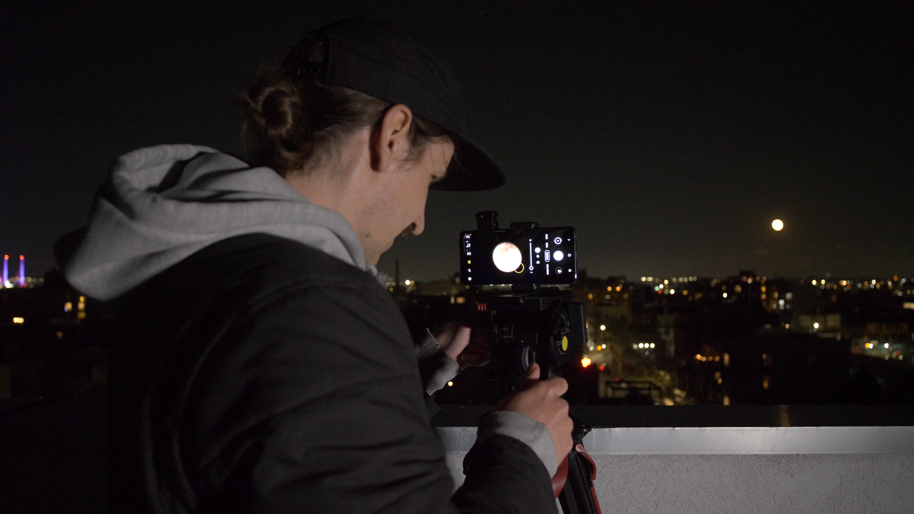 """Video: May's """"super flower"""" moon: How to take better photos"""
