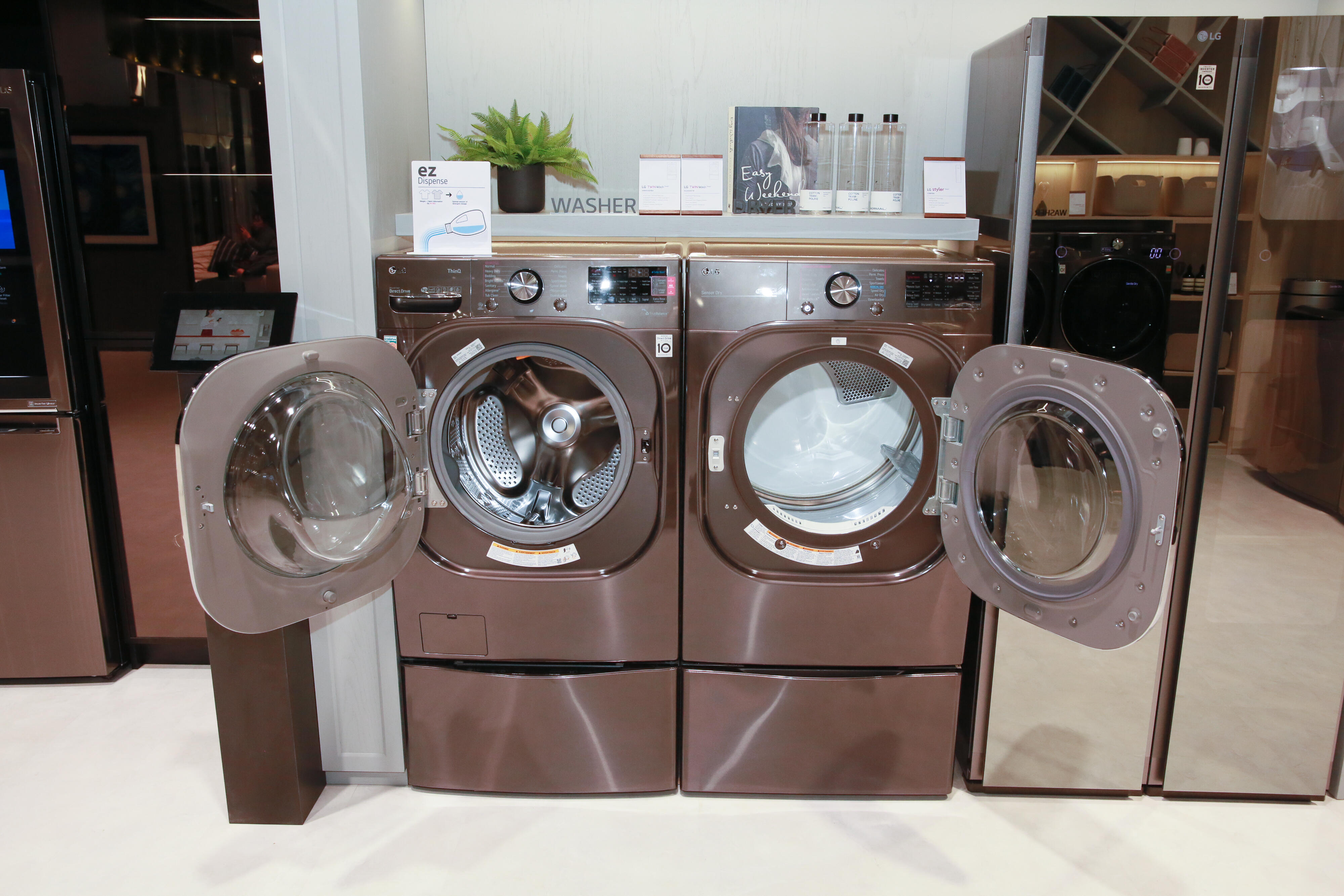 LG ThinQ Washer with AI