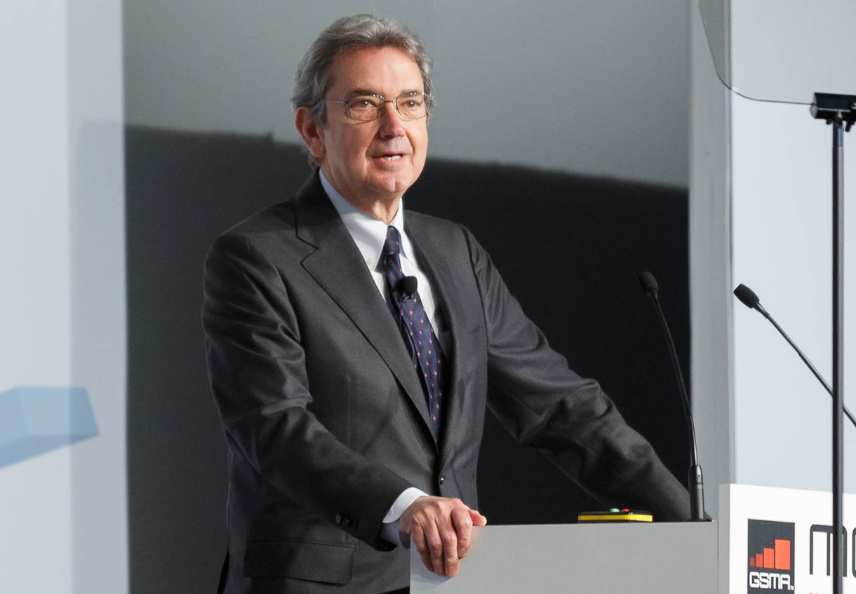 Telecom Italia CEO Franco Bernabe called for fewer and better regulations for mobile network at Mobile World Congress 2013.