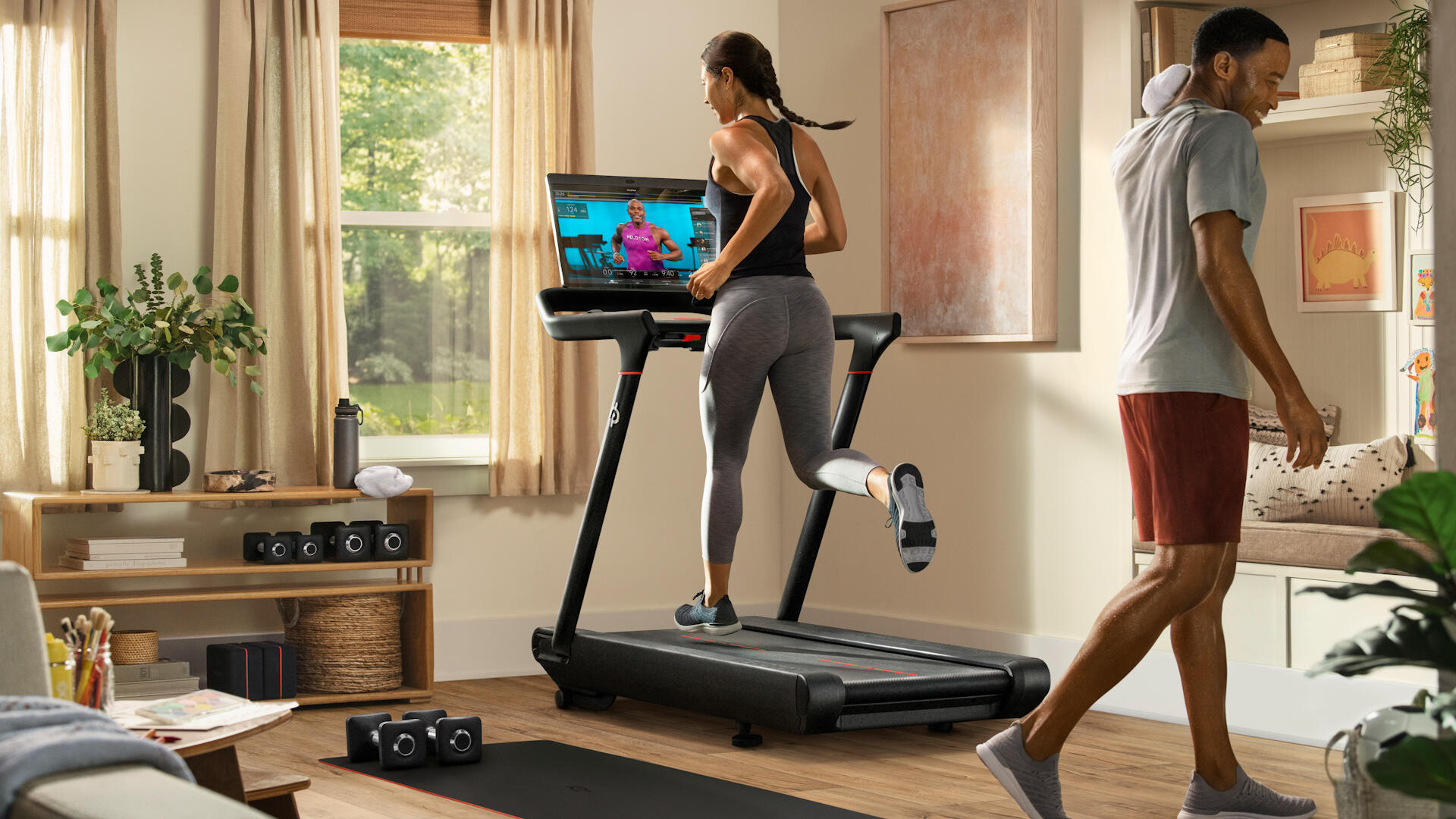 Video: Peloton recalls treadmills, Signal and Facebook clash