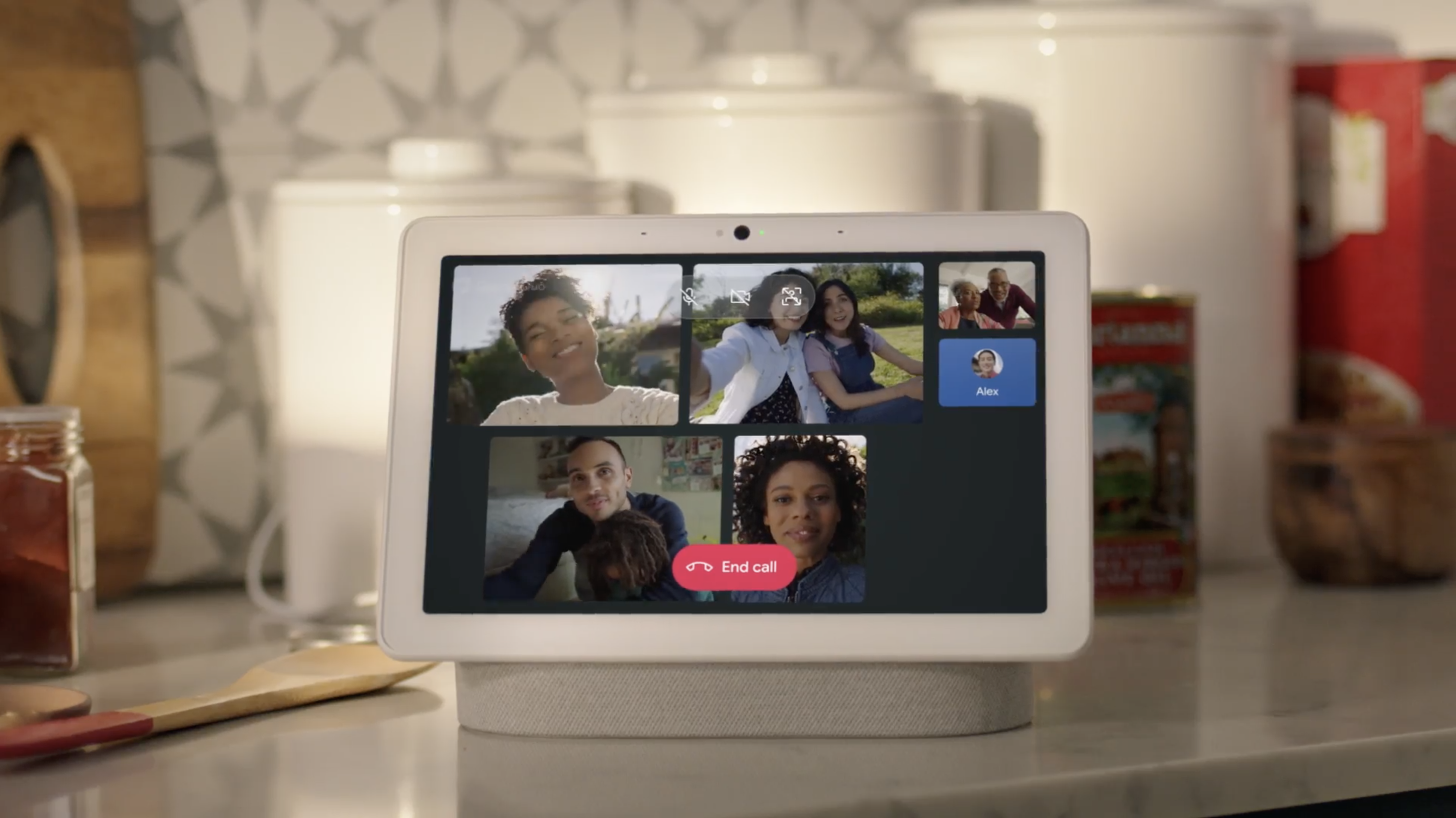 google-duo-group-call-nest-hub-max.png