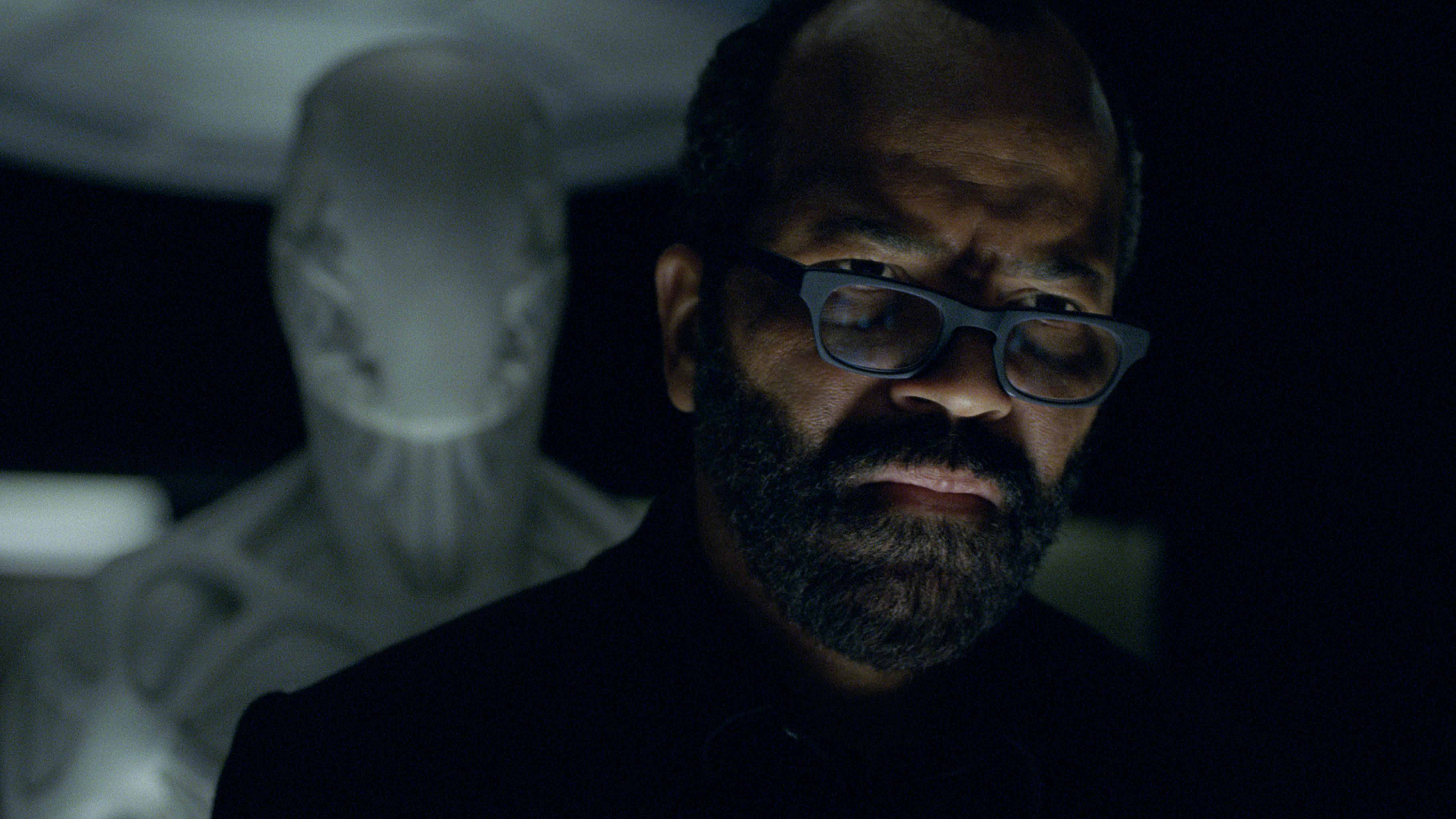 westworld-s2e1-bernard-creepy-bot