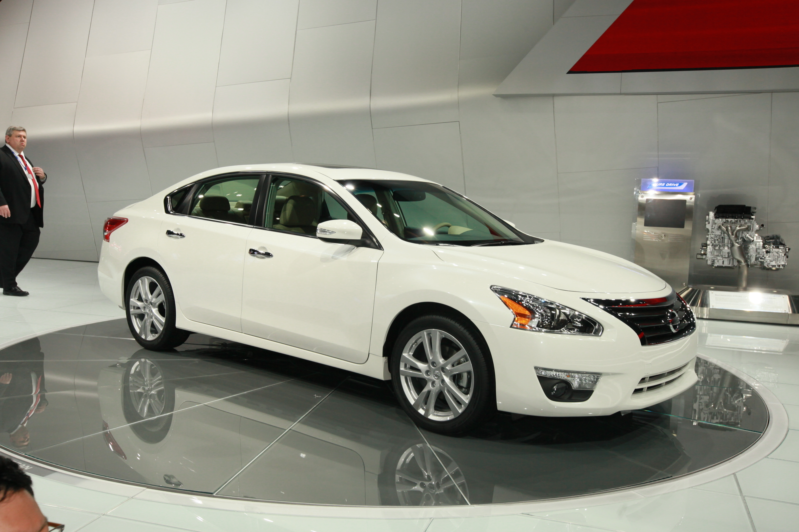 2013 Nissan Altima (photos)