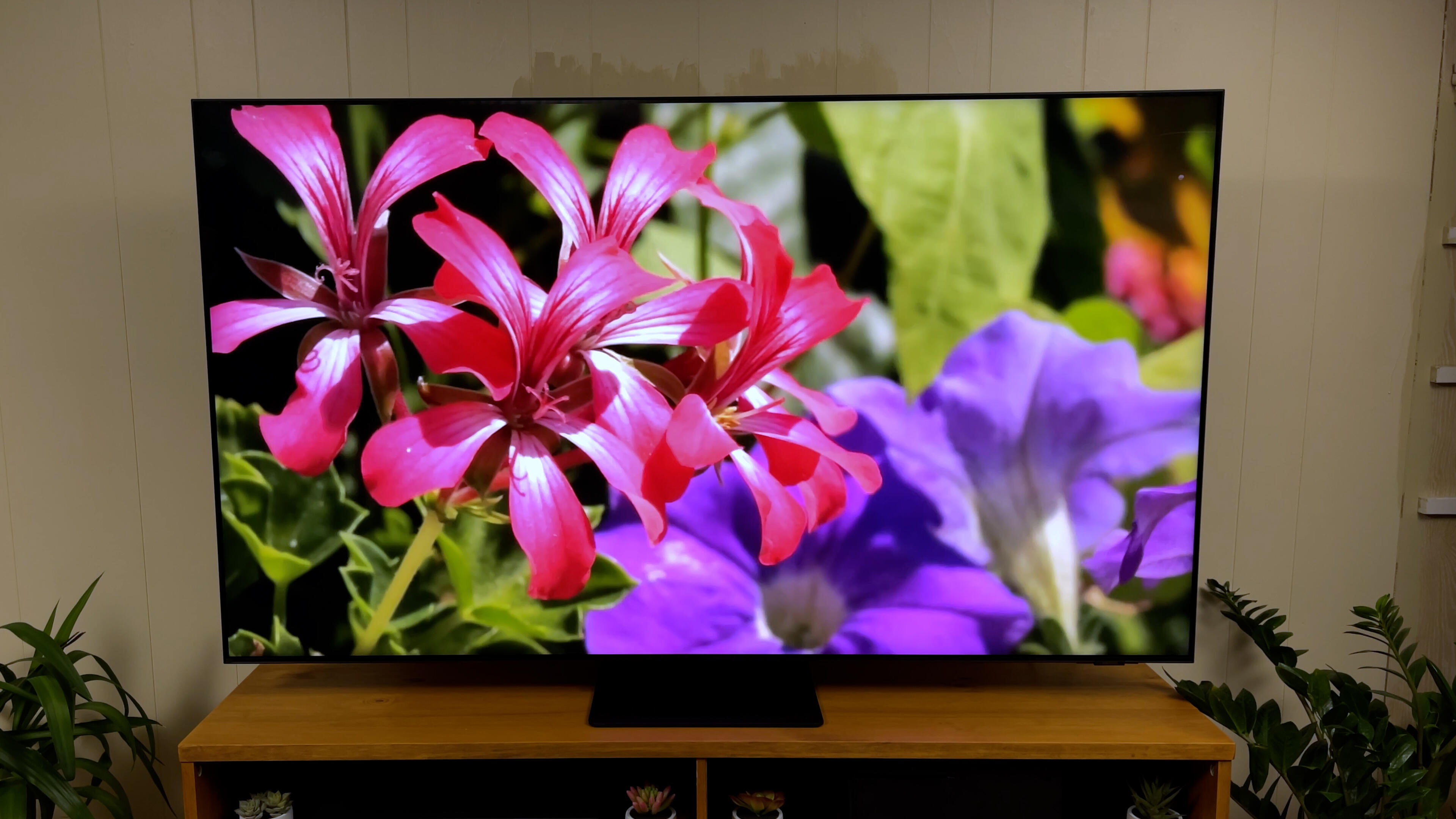 Video: Samsung QN90A Neo QLED TV: Brighter than OLED, but is it better?
