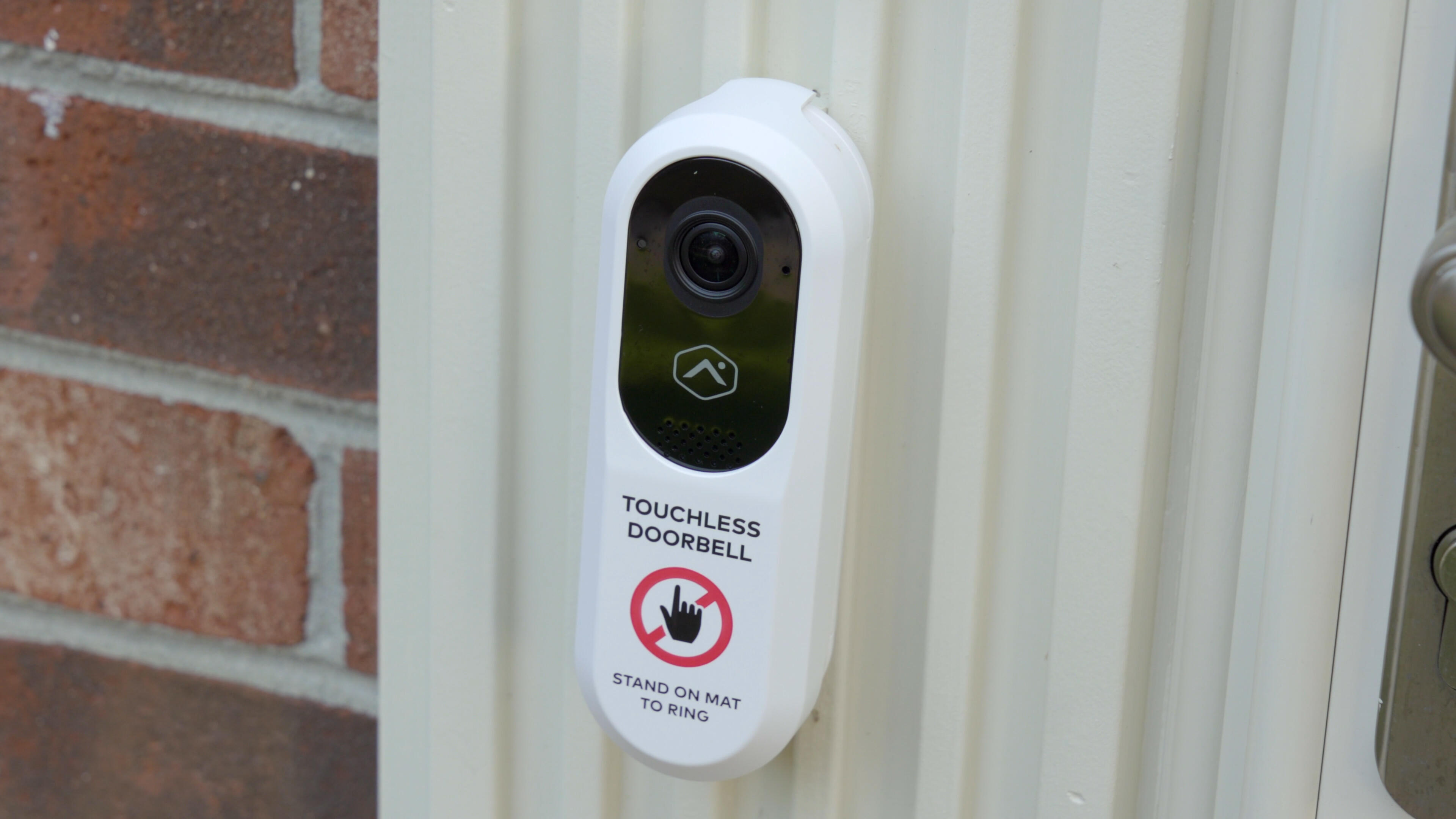 Video: The Alarm.com Touchless Video Doorbell keeps your hands free
