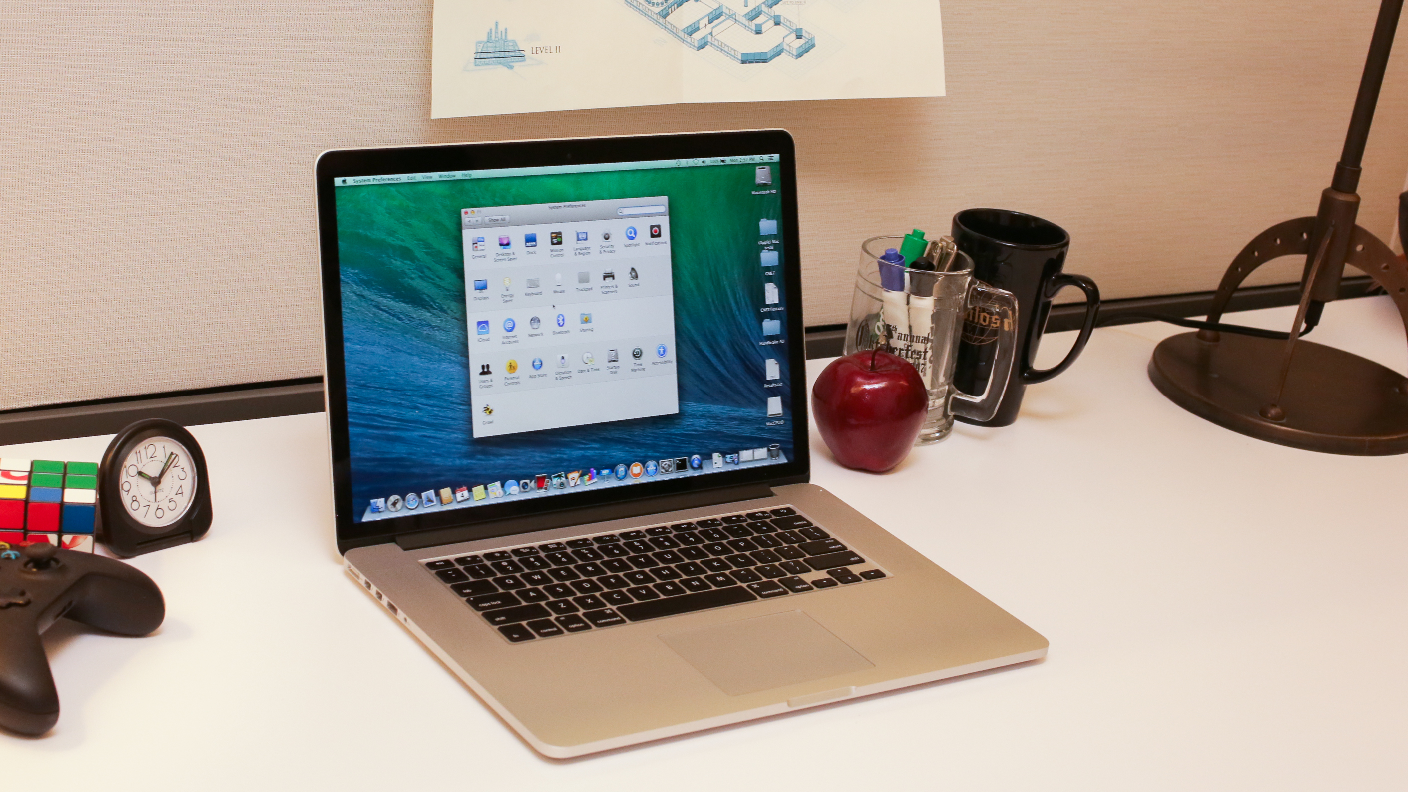 apple-macbook-pro-with-retina-display-15-inch-july-2014-product-photos12.jpg