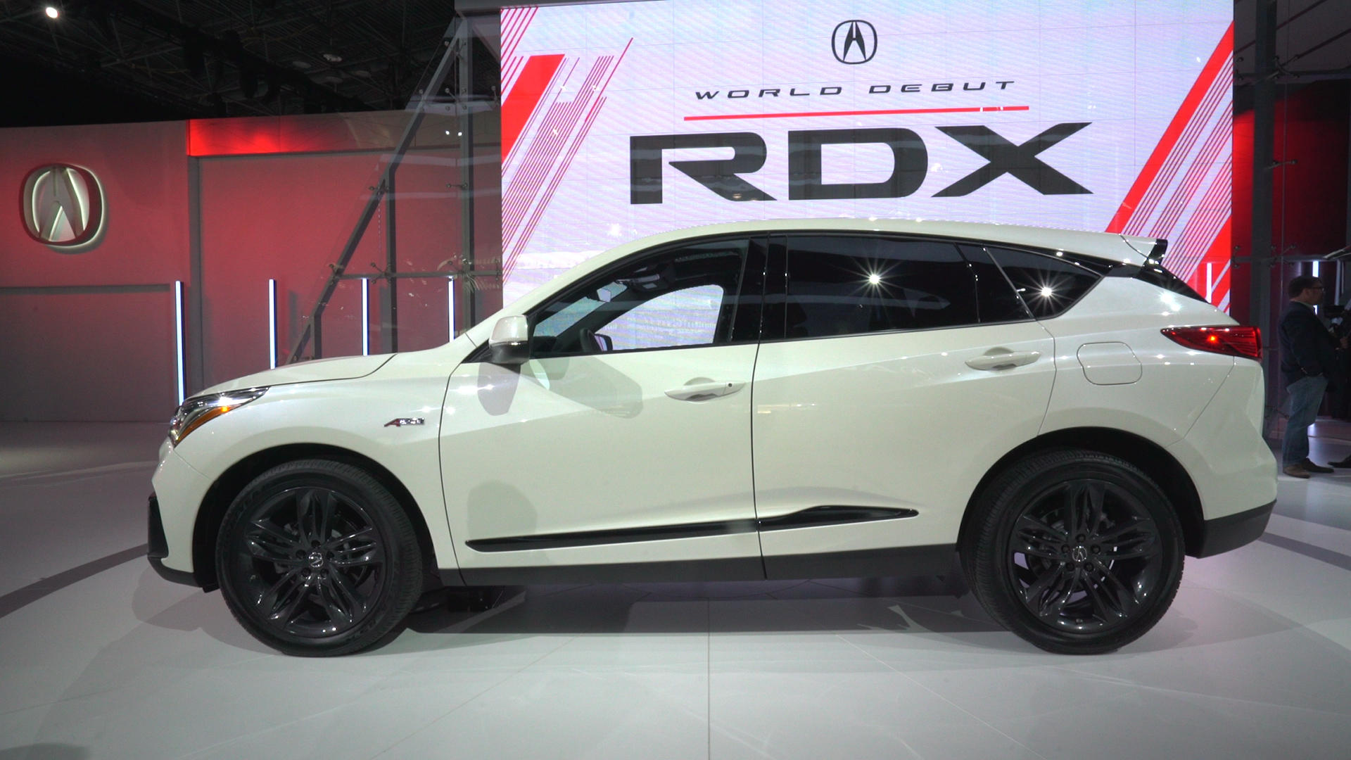 Video: 2019 Acura RDX brings NSX inspiration to New York