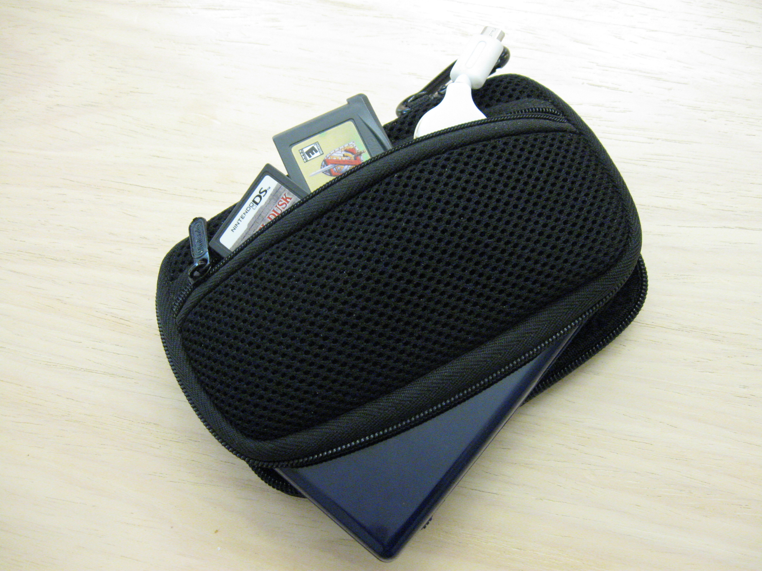 NDSL80 DS Lite carrying case