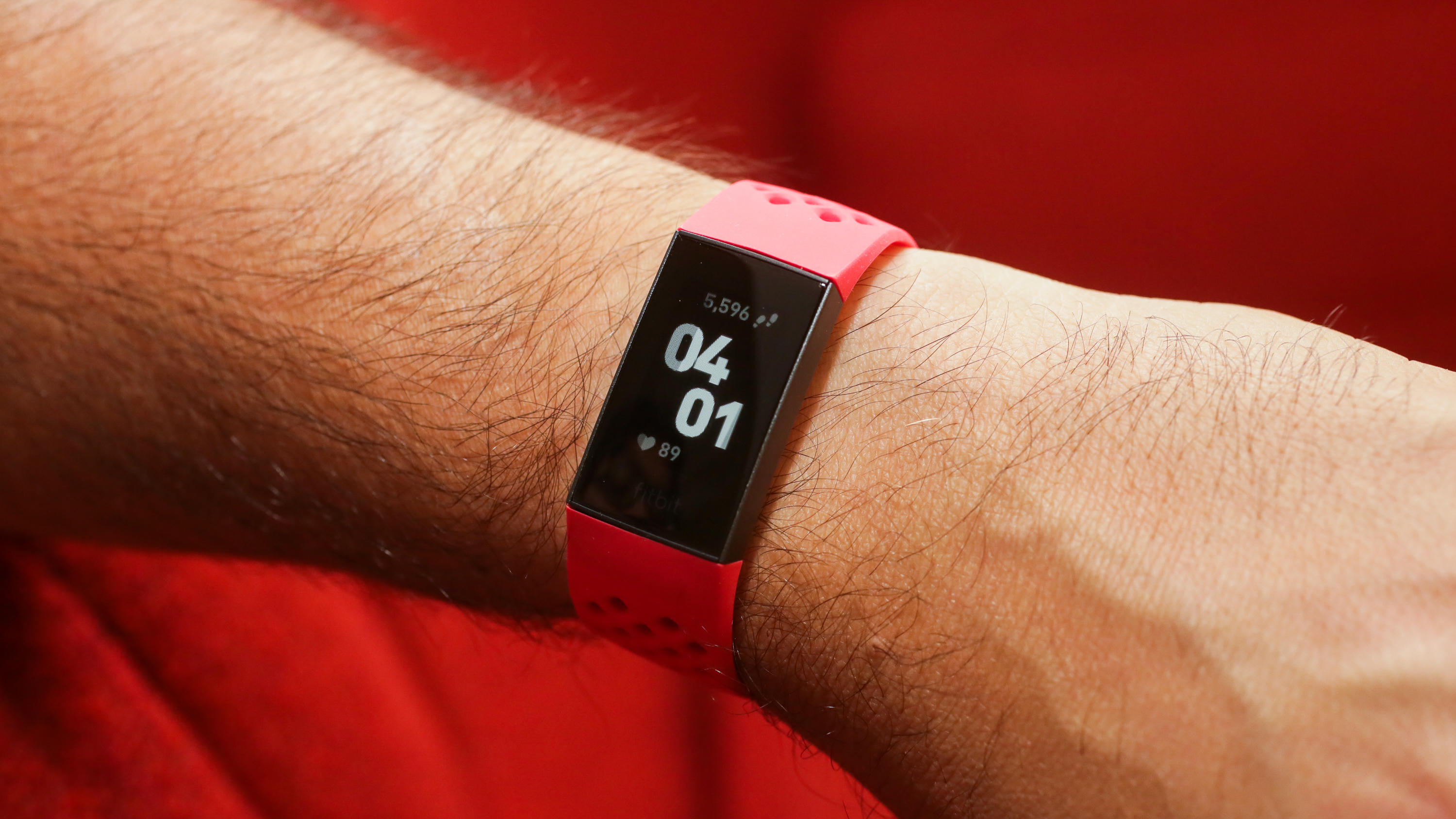 002-fitbit-charge-3