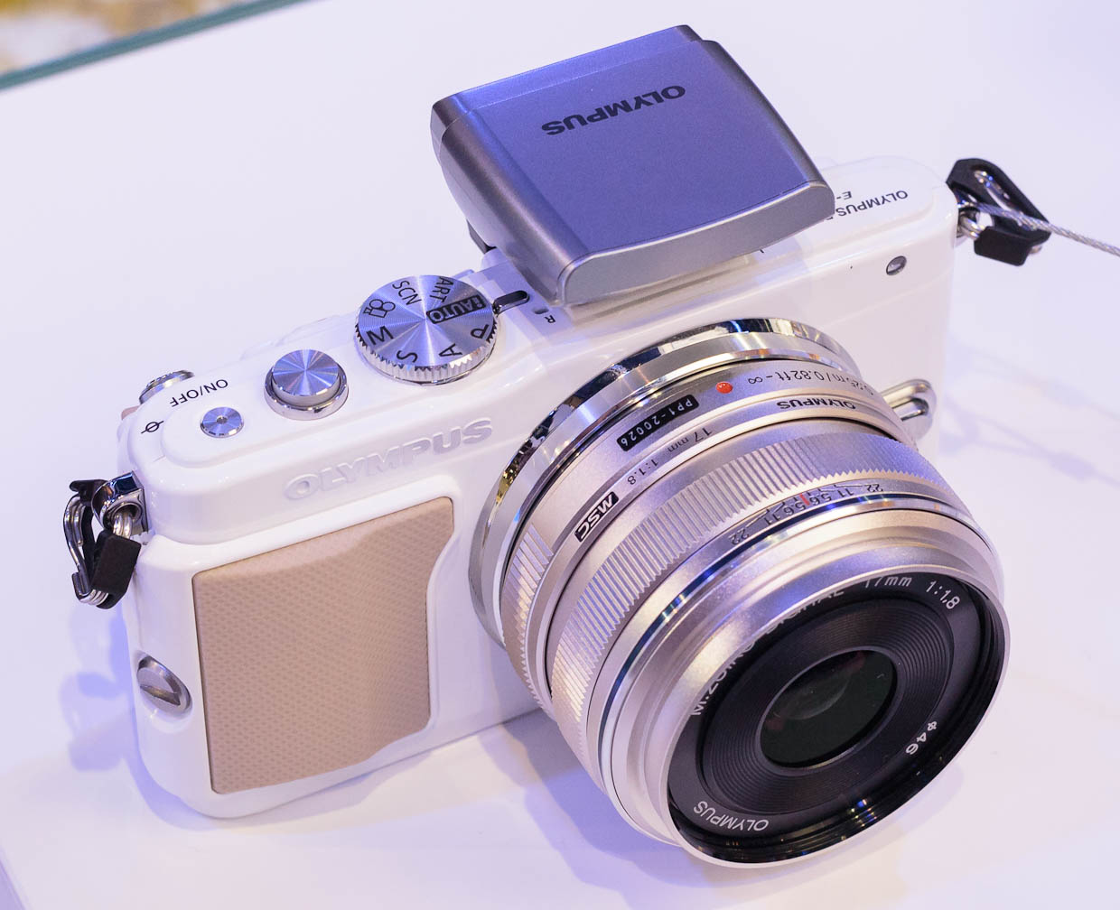 """The Olympus Pen E-PL5 is a new arrival in the Micro Four Thirds family that Olympus and Panasonic launched to start the """"mirrorless"""" movement for compact digital cameras with interchangeable lenses."""