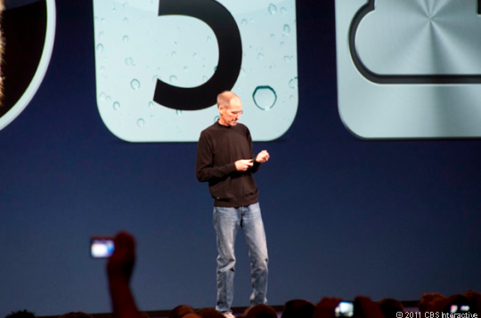 Steve Jobs takes the stage at WWDC 2011.