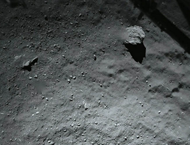 Dust on the comet's surface