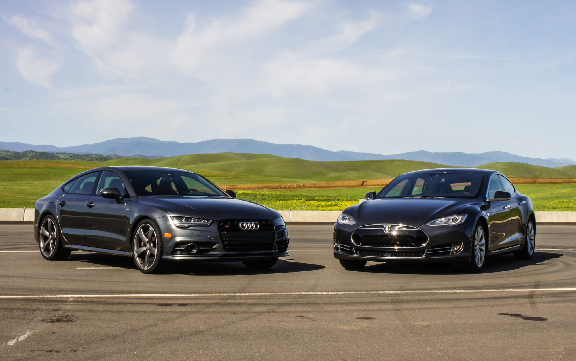 Video: Shootout: Tesla Model S vs. Audi S7 for high-tech performance